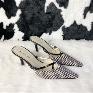 ANN KLEIN HOUNDSTOOTH PRINT SHOES